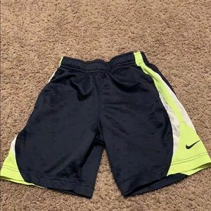 Boys Nike shorts size 6 read description